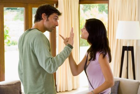 Đổ lỗi cho nhau làm mâu thuẫn giữa hai vợ chồng ngày càng tăng